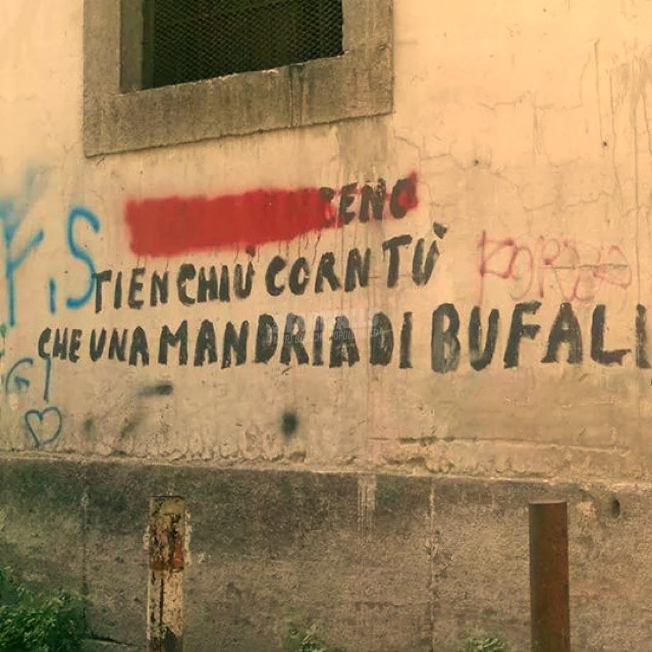 Scritte sui Muri E mazziato