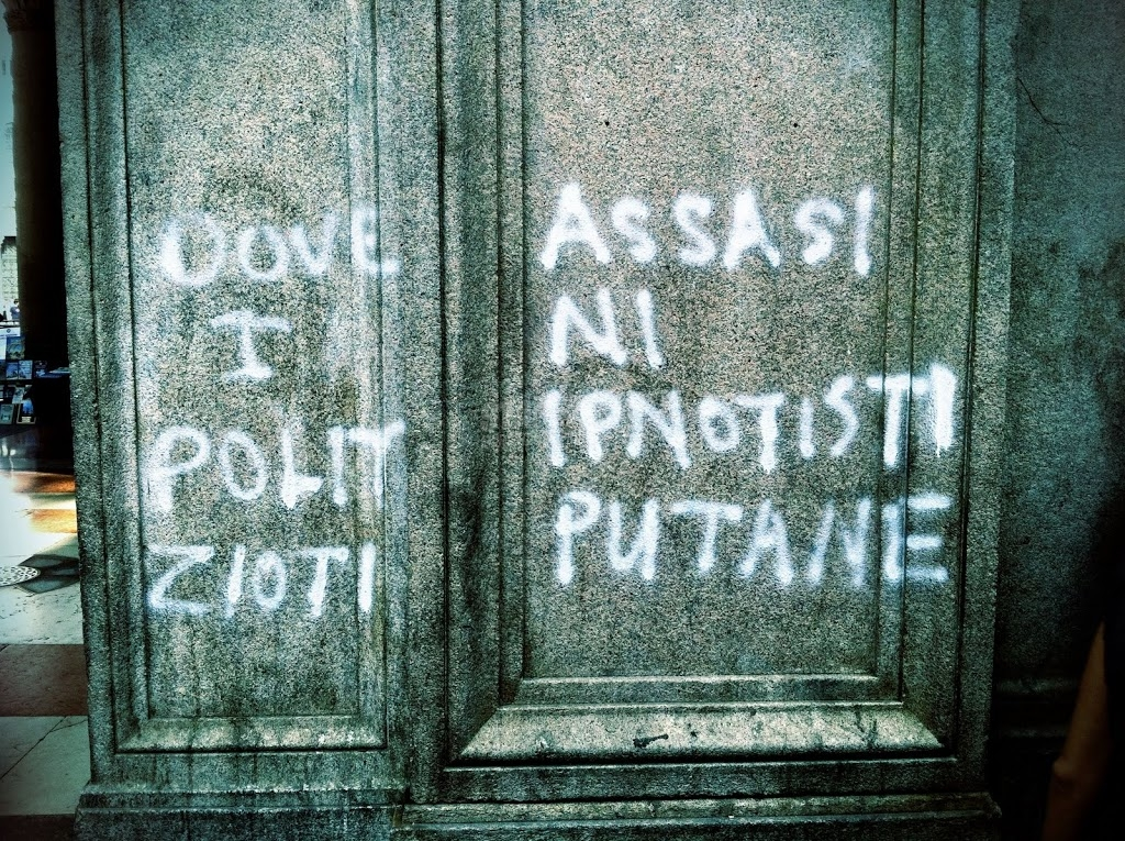 Scritte sui Muri Avanguardia ipnotista