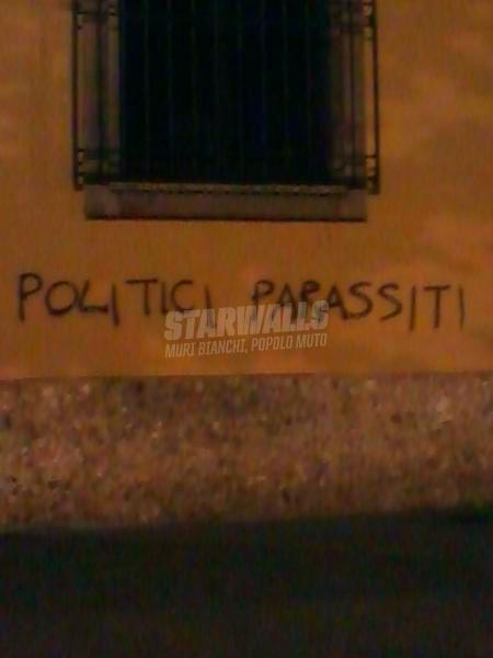 Scritte sui Muri Urge disinfestazione
