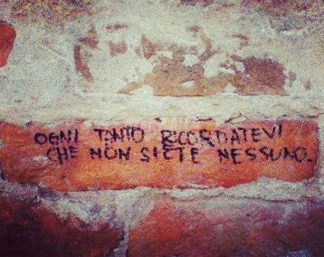 Scritte sui Muri Annotazione