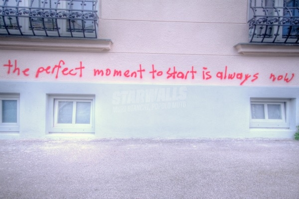 Scritte sui Muri Don't delay