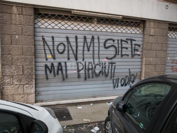 Scritte sui Muri Unlike