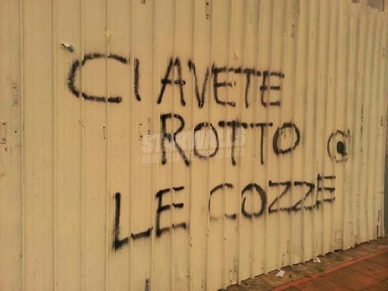 Scritte sui Muri Taranto sfinita