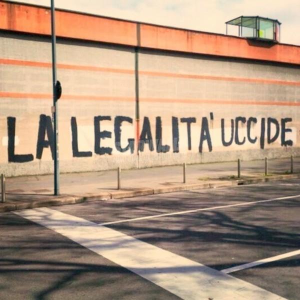 Scritte sui Muri Il silenzio pure ...