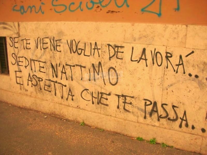 Scritte sui Muri Voglia di lavorare saltami addosso