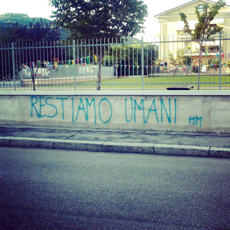 Scritte sui Muri Stay Human