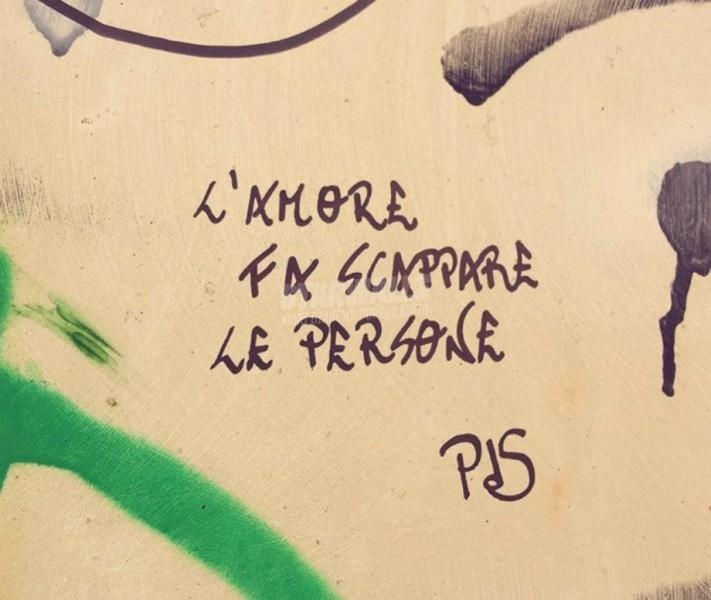 Scritte sui Muri Scappa che (non) ti passa