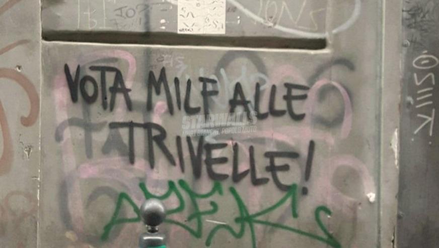 Scritte sui Muri Napule è