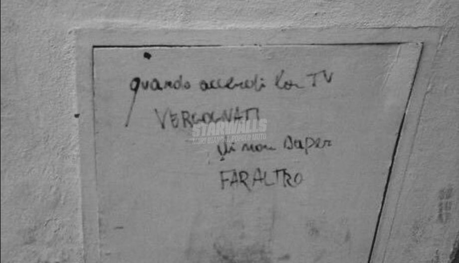 Scritte sui Muri Spegni la Tv