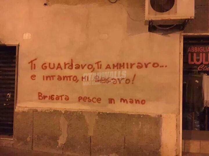 Scritte sui Muri Contemplazione pruriginosa