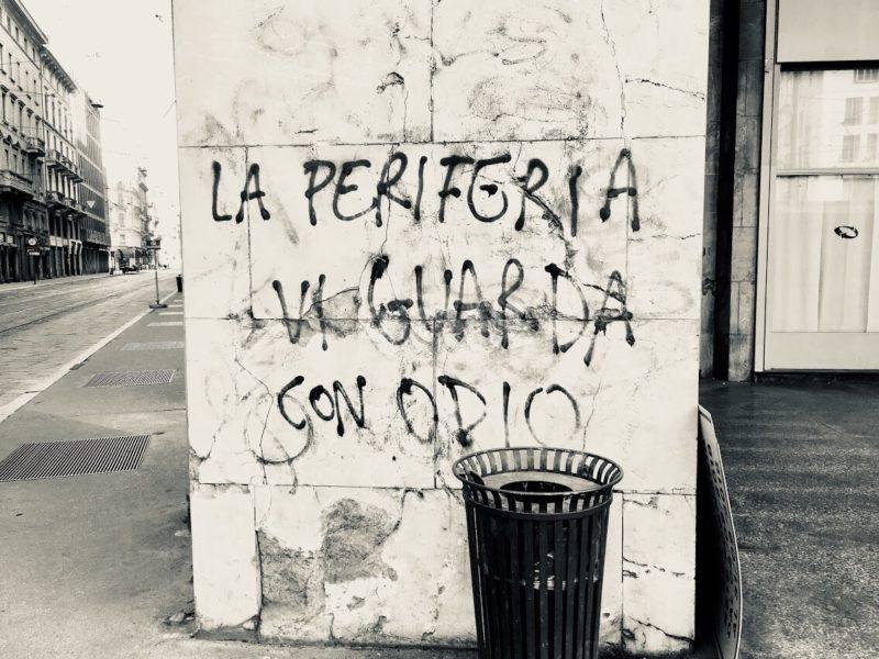 Scritte sui Muri Ricchi merde