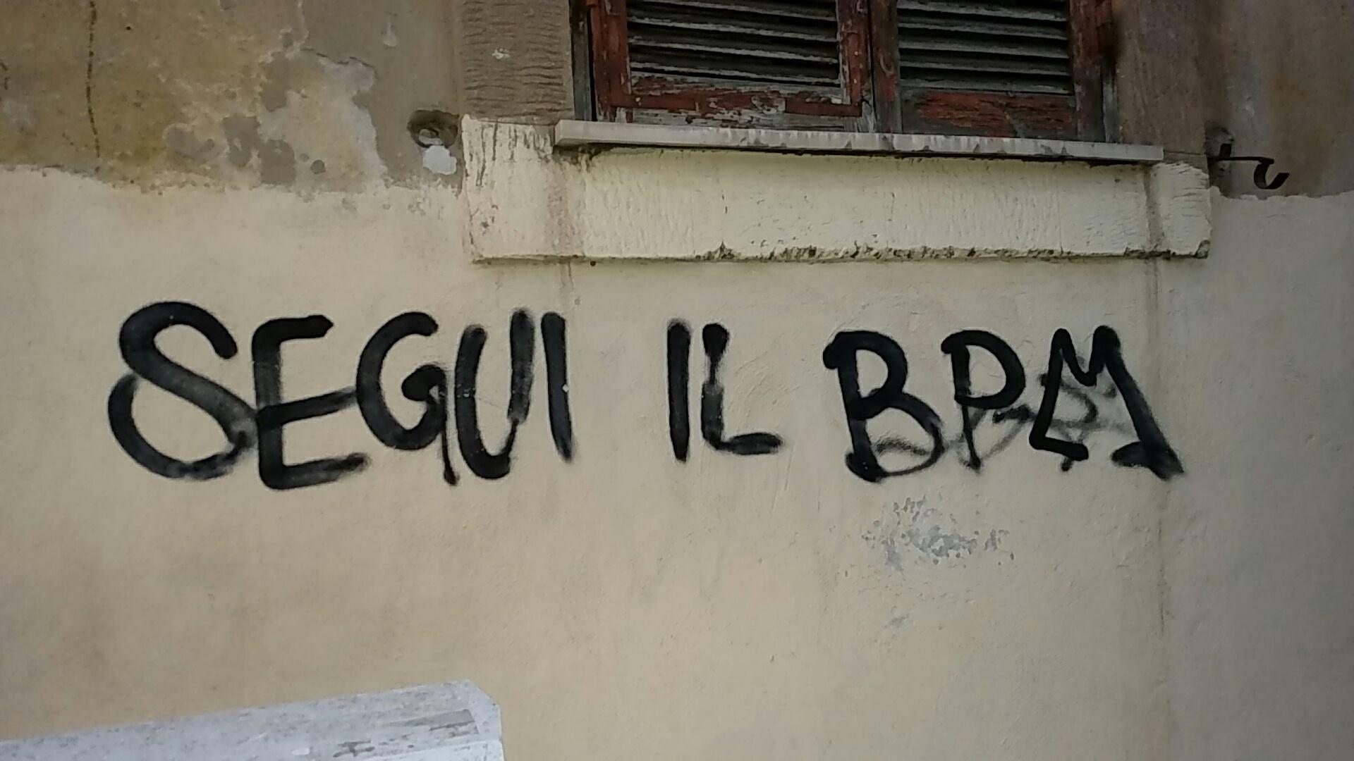 Scritte sui Muri Segui il BPM